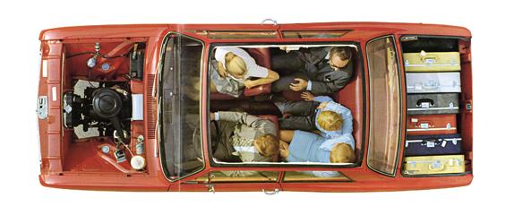 Der neue Opel Kadett B wird als Platzwunder angepriesen und soll diesen Vorteil gegenüber dem VW Käfer ausspielen (Foto: Opel)